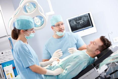 Knochenaufbau - Zahnklinik Ost
